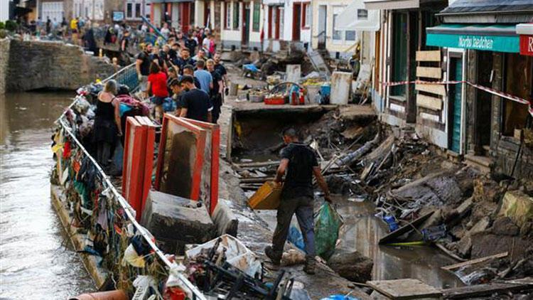 Almanya'da sel felaketinin bilançosu yükselmeye devam ediyor
