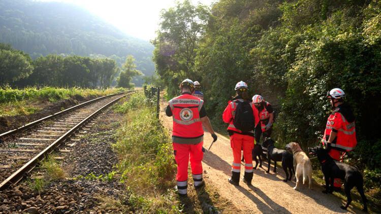 80 istasyon, 600 km'lik demir yolu hasar gördü