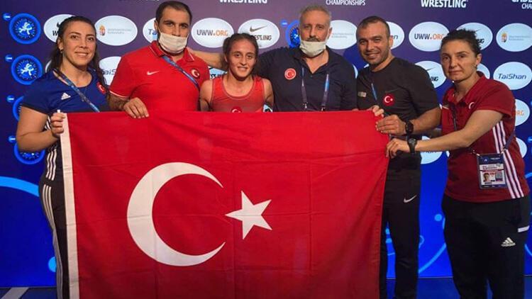 Selvi İlyasoğlu'ndan müthiş başarı! Dünya şampiyonu oldu