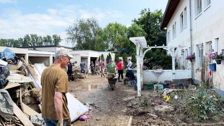 Komşular arasında yardımlaşma var Devlet ortada yok