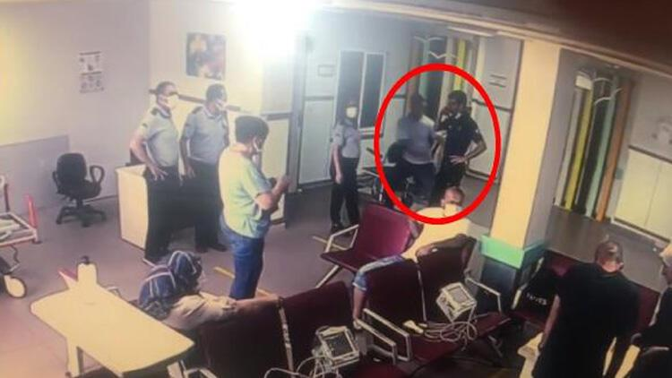 Yardım istedi, polisin tabancasını kaptı Anbean kamerada