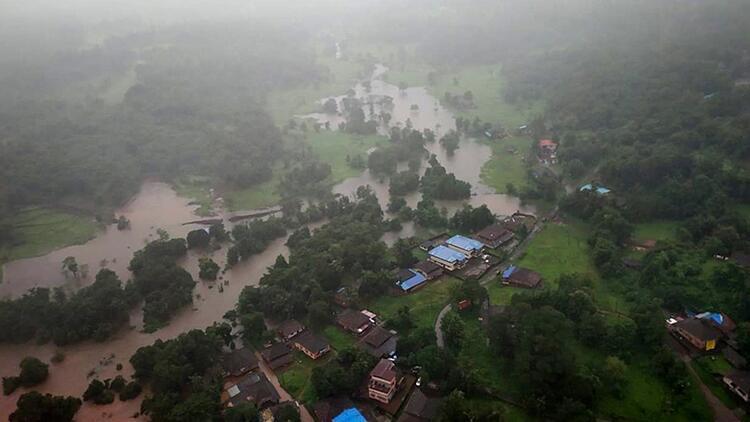 Hindistan sel felaketi: Ölü sayısı 136ya çıktı