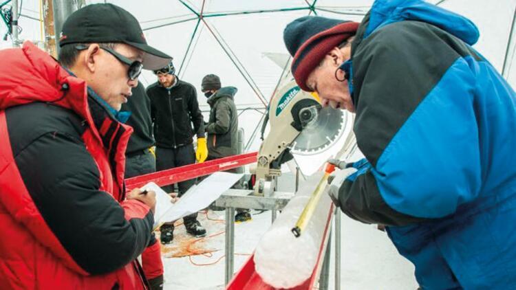 Galiya buzulunda 28 virüs bulundu