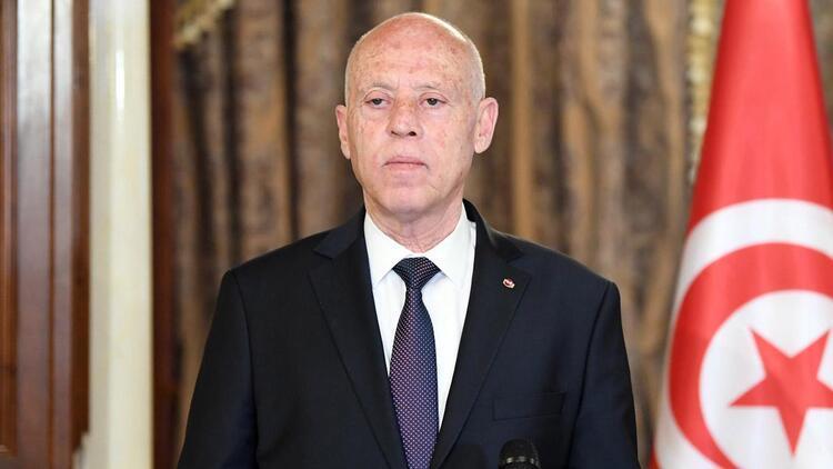 Tunus Cumhurbaşkanı, bazı üst düzey devlet yetkililerinin görevlerine son verdi