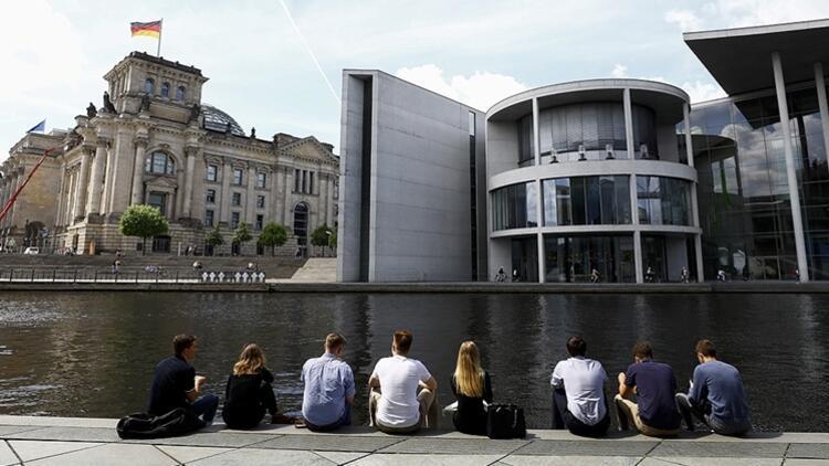 Almanyada vakalar son 7 haftanın en yüksek seviyesine çıktı