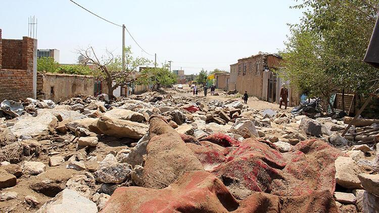 Son dakika... Afganistanda sel: 40 ölü