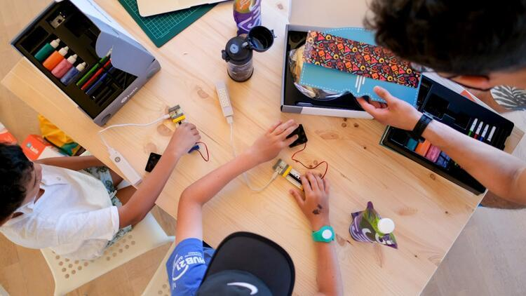 Çocukların yaratıcılıkları geleceğin tknolojileriyle buluşuyor