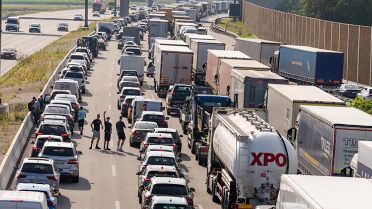 Almanya'da trafik durma noktasında