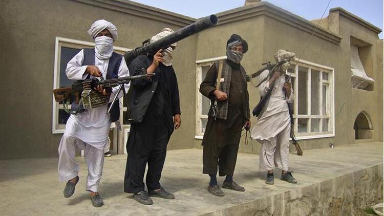 Taliban, Afganistandaki üç büyük kentin etrafını kuşattı