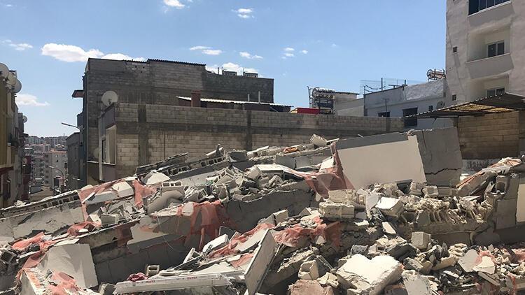 Gaziantepte panik 5 katlı bina çöktü