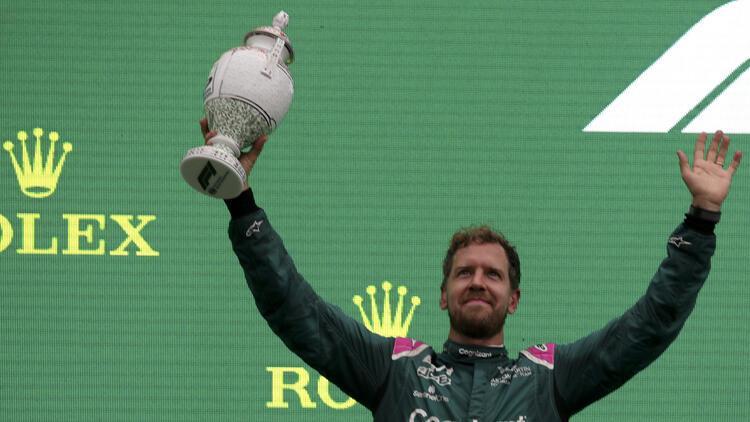 Sebastian Vettel, Macaristanda diskalifiye edildi