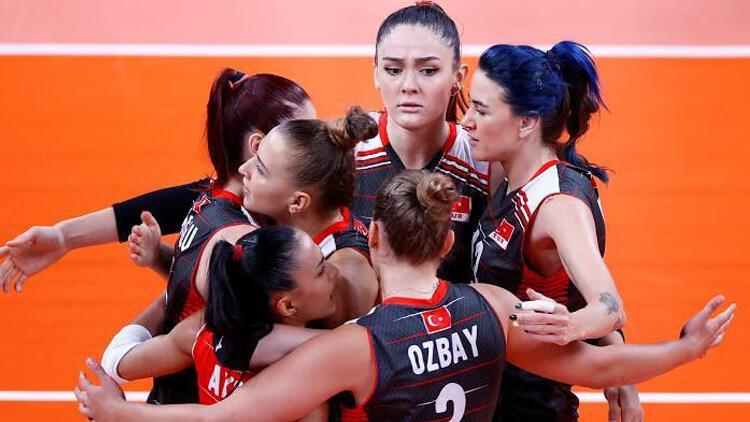 Son Dakika: Türkiye Rusya'yı devirdi, çeyrek finaldeki rakibini bekliyor! Filenin Sultanları bir tarih daha yazdı