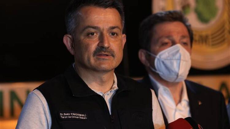 Bakan Pakdemirli orman yangınlarıyla ilgili son durumu açıkladı
