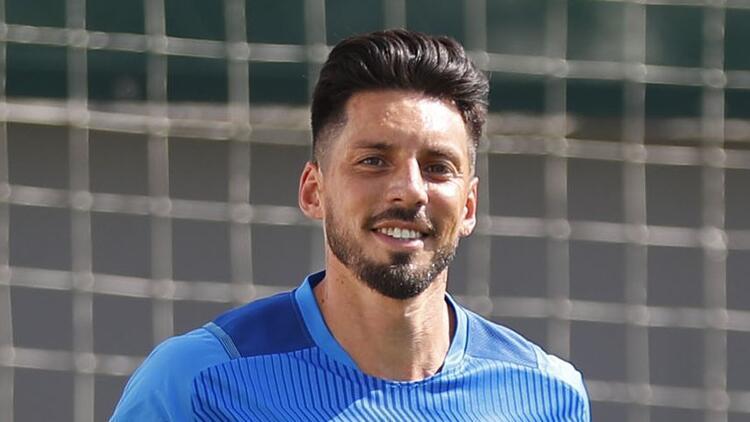 Fenerbahçe'de Jose Sosa, takımdan ayrı çalıştı