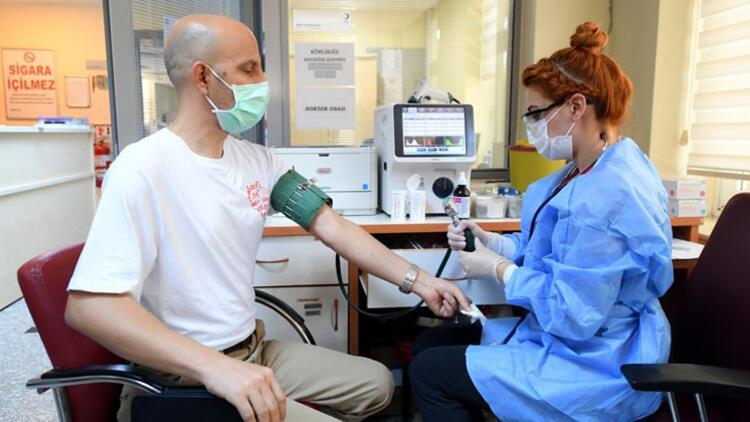 """Öğretmenler kan bağışında """"Ben de varım"""" dedi"""