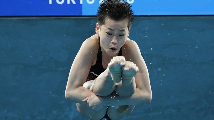 Tokyo 2020 Haberleri: 10 metre platform atlamada şampiyon, 14 yaşındaki Çinli Quan Hongchan