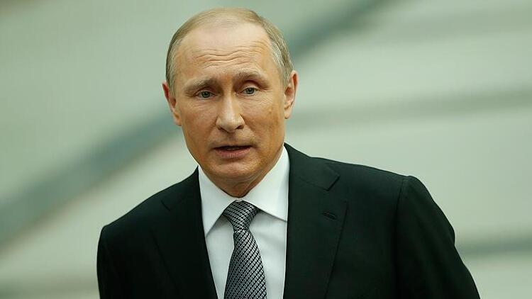 Putin, İran Cumhurbaşkanı Reisi ile Afganistanı görüştü