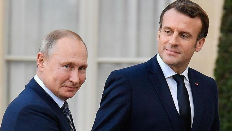 Putin, Macron ile Afganistan'daki durumu görüştü