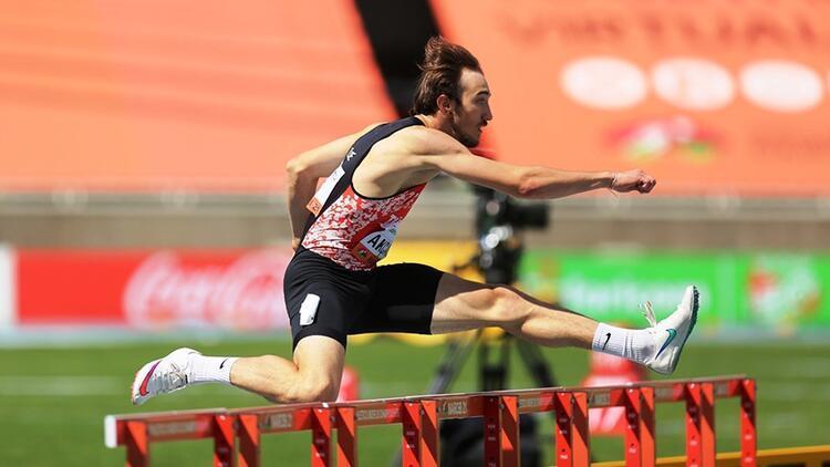 Berke Akçam dünya şampiyonasında altın madalyayı Türkiye rekoruyla aldı