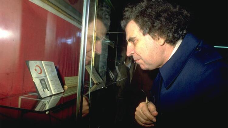 Mikis Theodorakis kimdir Ünlü müzisyen hayatını kaybetti