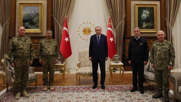 Cumhurbaşkanı Erdoğan, Azerbaycan Savunma Bakanı Hasanov ve Genelkurmay Başkanı Veliyevi kabul etti