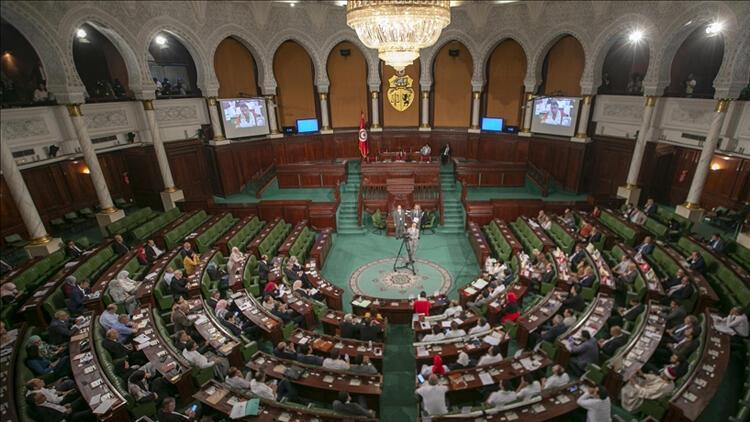 Tunusta 5 siyasi partiden ortak çağrı