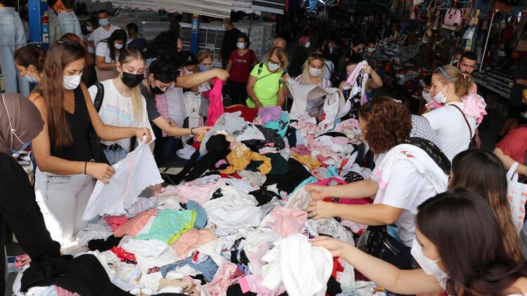 Sabahın erken saatlerinde başlıyor Alışveriş için Bulgaristandan resmen akın ediyorlar