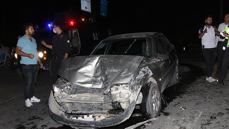 Vanda 3 araç çarpıştı: 9 kişi yaralandı