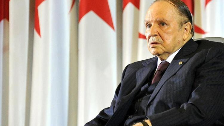 Cezayirin eski Cumhurbaşkanı Buteflika hayatını kaybetti