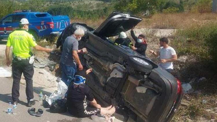 Otomobil yol kenarına devrildi: 5 yaralı