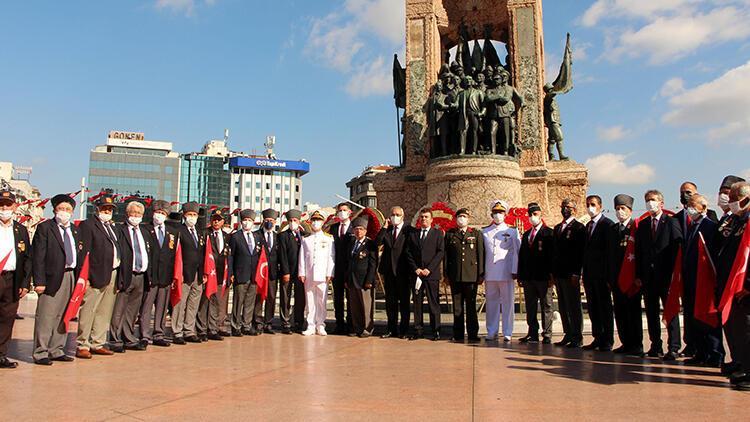 Taksimde Gaziler Günü için tören düzenlendi