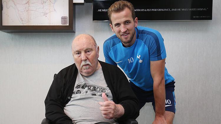 Tottenhamın efsane golcüsü Jimmy Greaves hayatını kaybetti