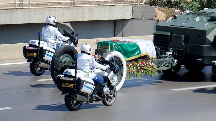 Cezayirin eski Cumhurbaşkanı Buteflika toprağa verildi