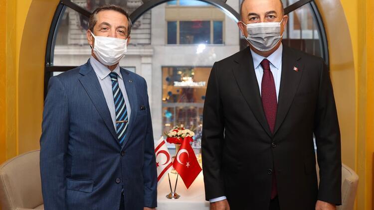 Dışişleri Bakanı Çavuşoğlu, KKTC Dışişleri Bakanı Ertuğruloğlu'yla görüştü
