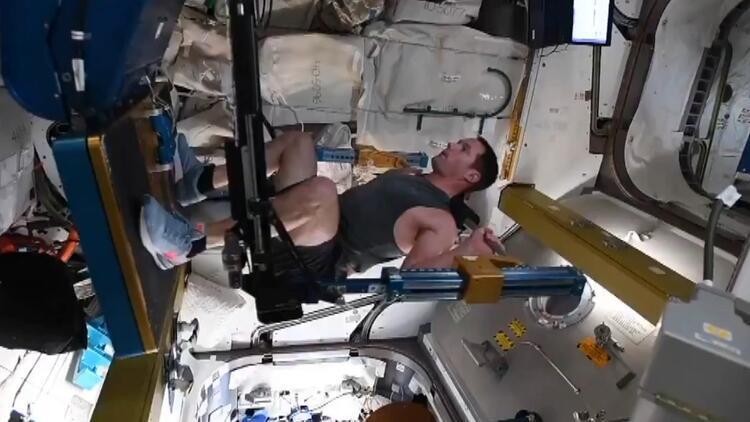 Fransız astronot paylaştı Uzayda egzersiz...