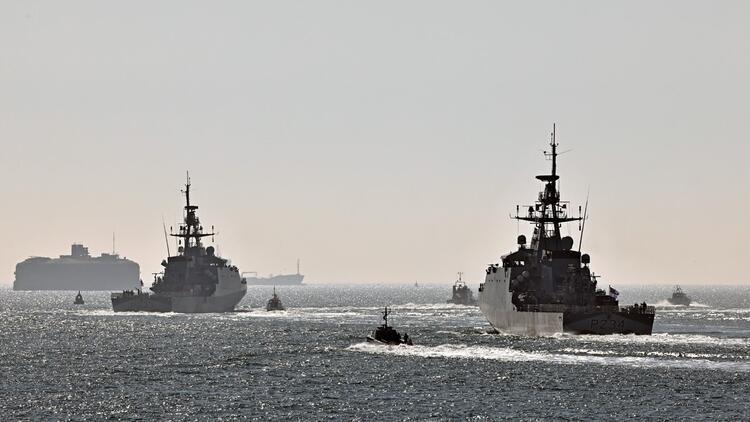 Aukus'un ardından iki İngiliz savaş gemisi, Hint-Pasifik Bölgesi'ne doğru yola çıktı
