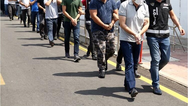 İstanbulda FETÖ operasyonu: Ev ağabeyliği yapan 6 emniyet mensubuna gözaltı