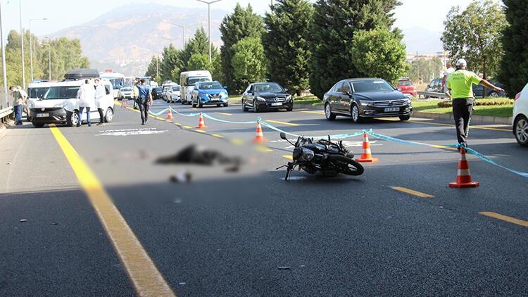 Motosikletle otobüse sürtüp, yola savrulan kasksız sürücü hayatını kaybetti