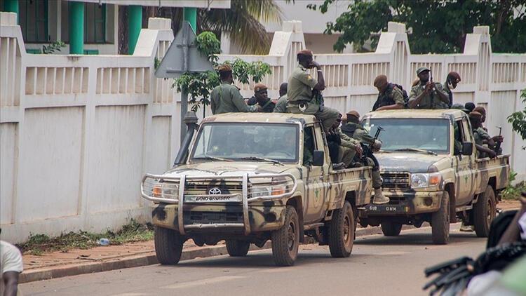 Fransa Savunma Bakanı: Fransa Maliden gitmiyor