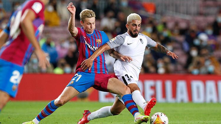Barcelona, puanı son dakikada kurtardı Granada...