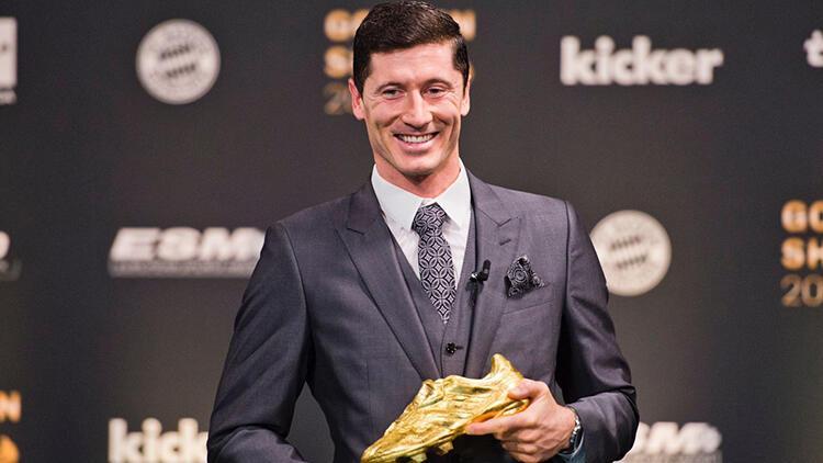 Robert Lewandowski Altın Ayakkabı ödülünü aldı