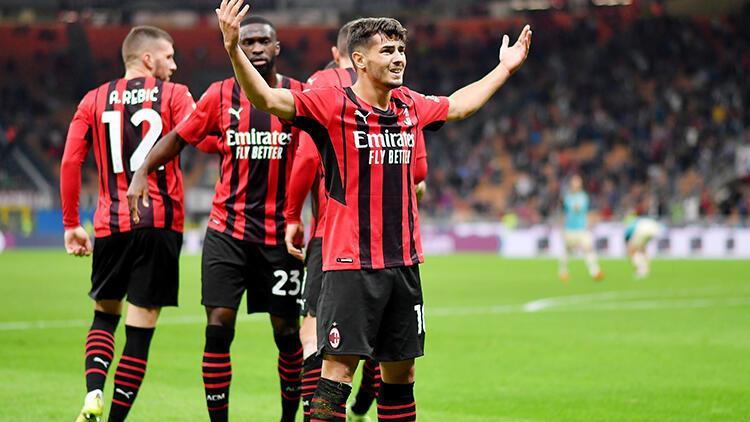 Milan 2 - 0 Venezia (Maç özeti)