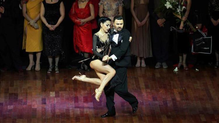 Macaristanın Pecs şehrindeki 92 yıllık tango yasağı sona erdi