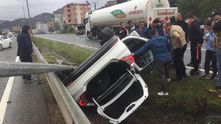 Otomobil takla attı, kaymakam Seda Ünlü ve şoförü yaralandı
