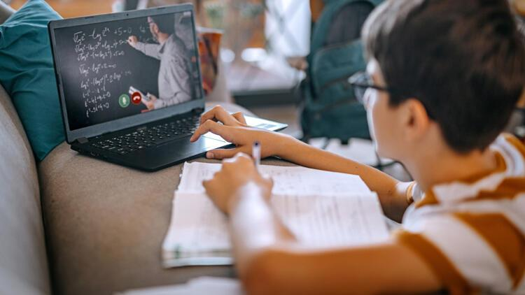 Ortaokul öğrencilerine ders desteği