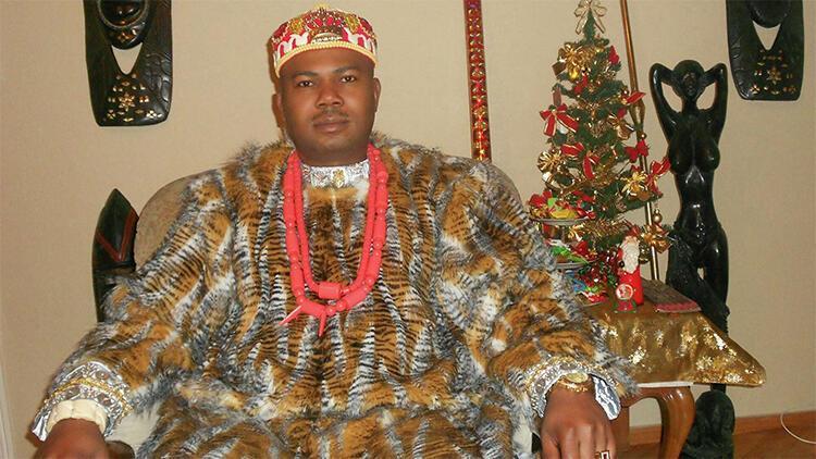 Böyle seçim görülmedi Nijeryalı kral, Gürcistanda belediye başkanı olmak için yarışacak