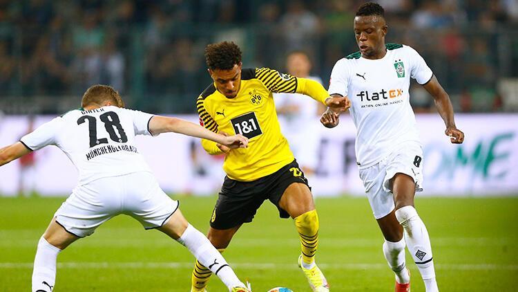 Borussia Dortmund deplasmanda Borussia Mönchengladbacha tek golle yenildi