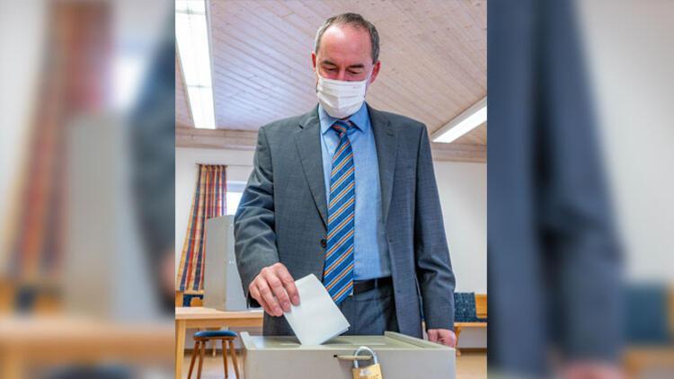 18.00'den önce seçim anket sonuçlarını paylaştı: 50 bin euro ceza bekliyor