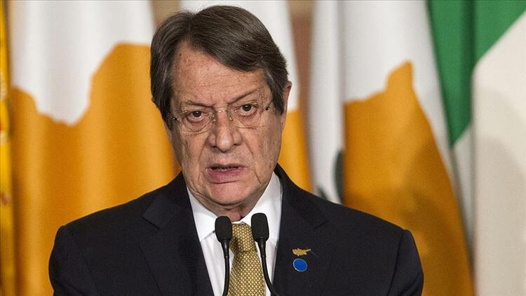 Kritik zirve öncesi BMye girerken... Rum lider çözüme yanaşmıyor