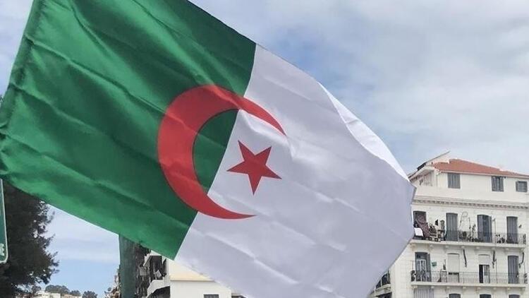 Cezayir Paris Büyükelçisi için şart koştu